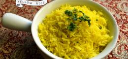 Arroz indonesio amarillo o Nasi Kuning